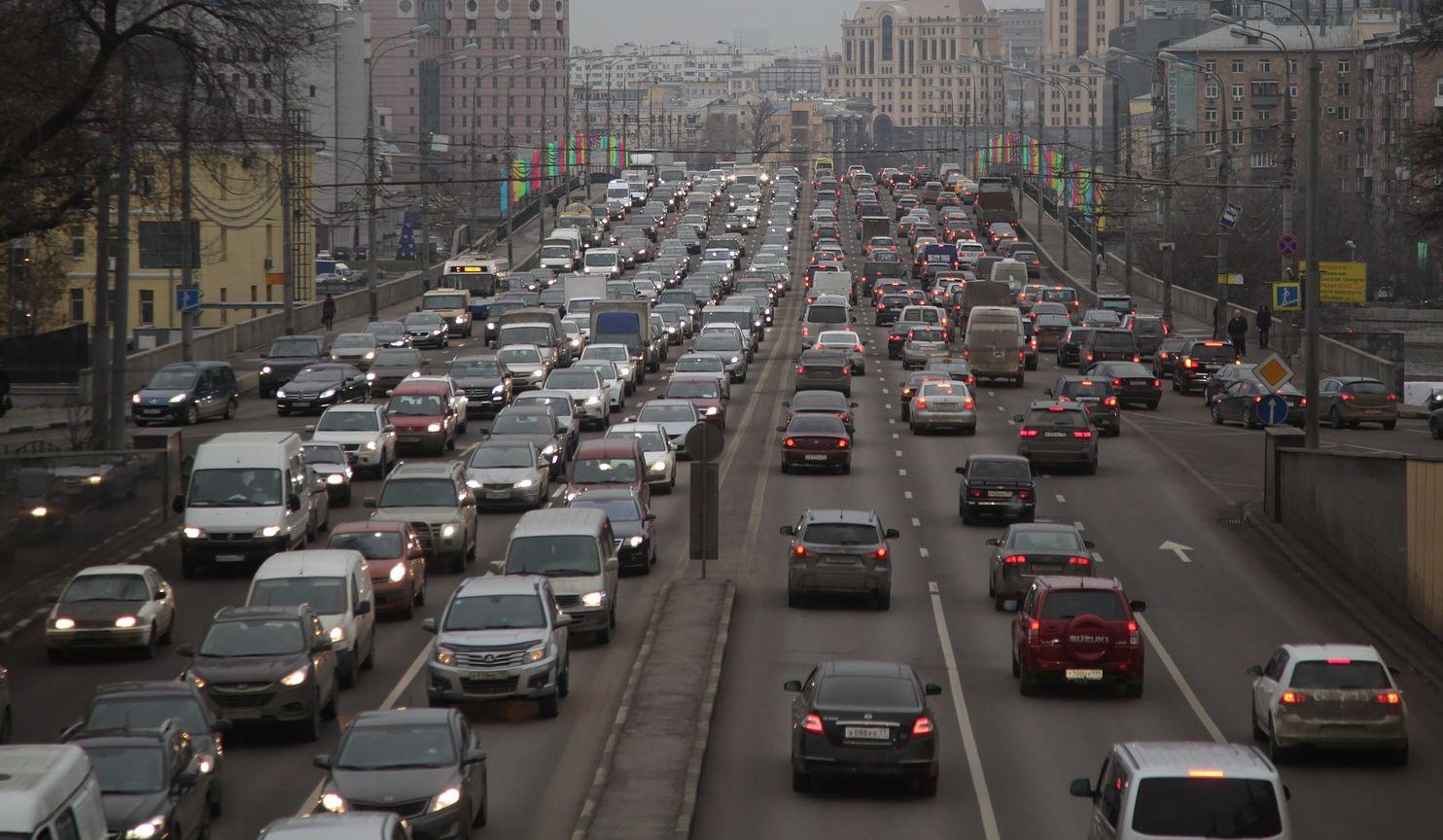 infrastruktúra kialakítása dugó elkerüléséhez, forgalomirányítás